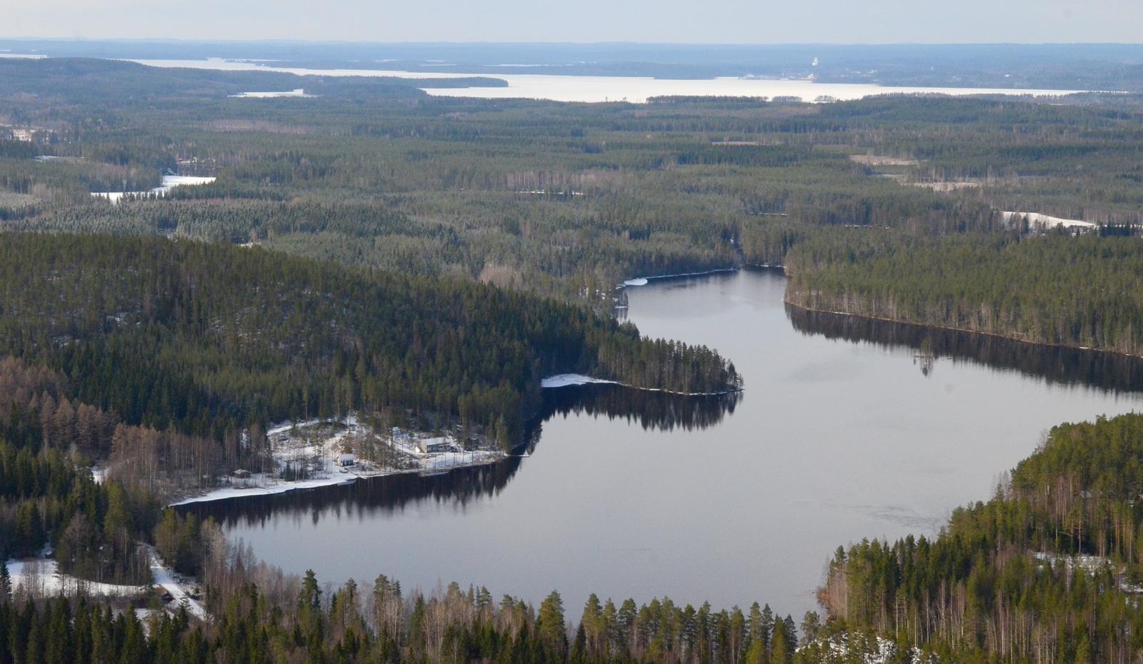 Kärnäjärvi, taustalla Keiteleen Kymönselkä