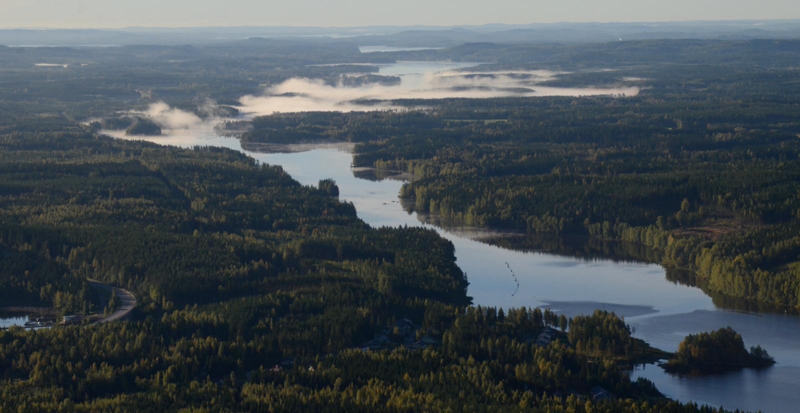 Kuhnamo ja Vatiajärvi.