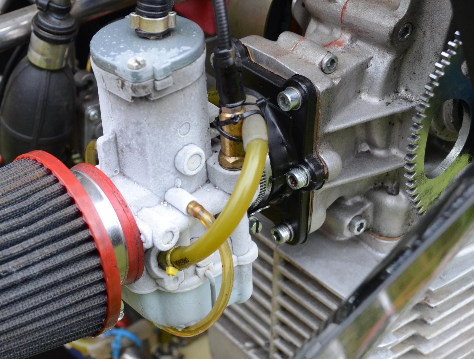 Kosteus ja kylmyys aiheuttaa huurretta kaasuttimeen,  josta kuva lennon jälkeen.