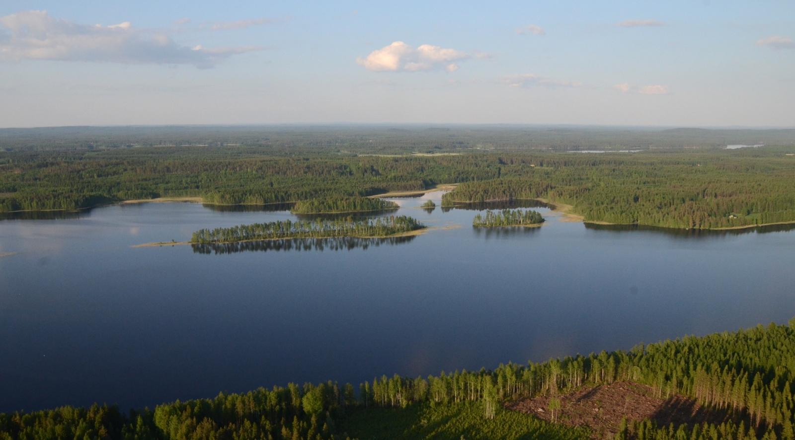 Talassaari ja Malvisaari Horonjärvellä.