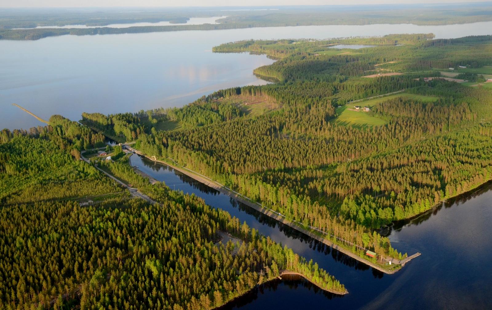 Tähän Neiturin kanavalle päätetään tämä kuvasarja, ja tästä jatketaan ensi vuoden puolella matkaa.