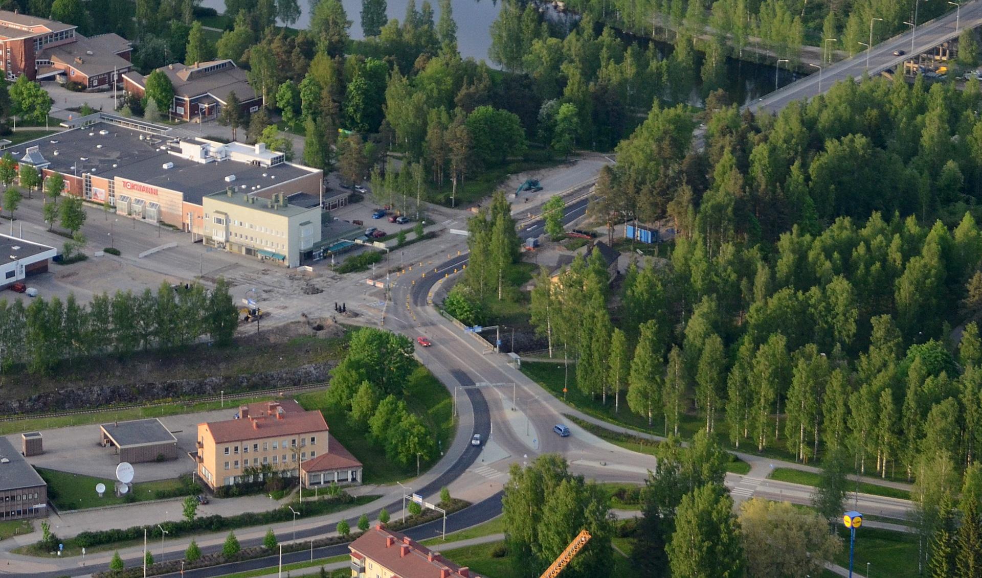 2016-05-24 Viiskulman liikenneympyrä lähtee syntymään.