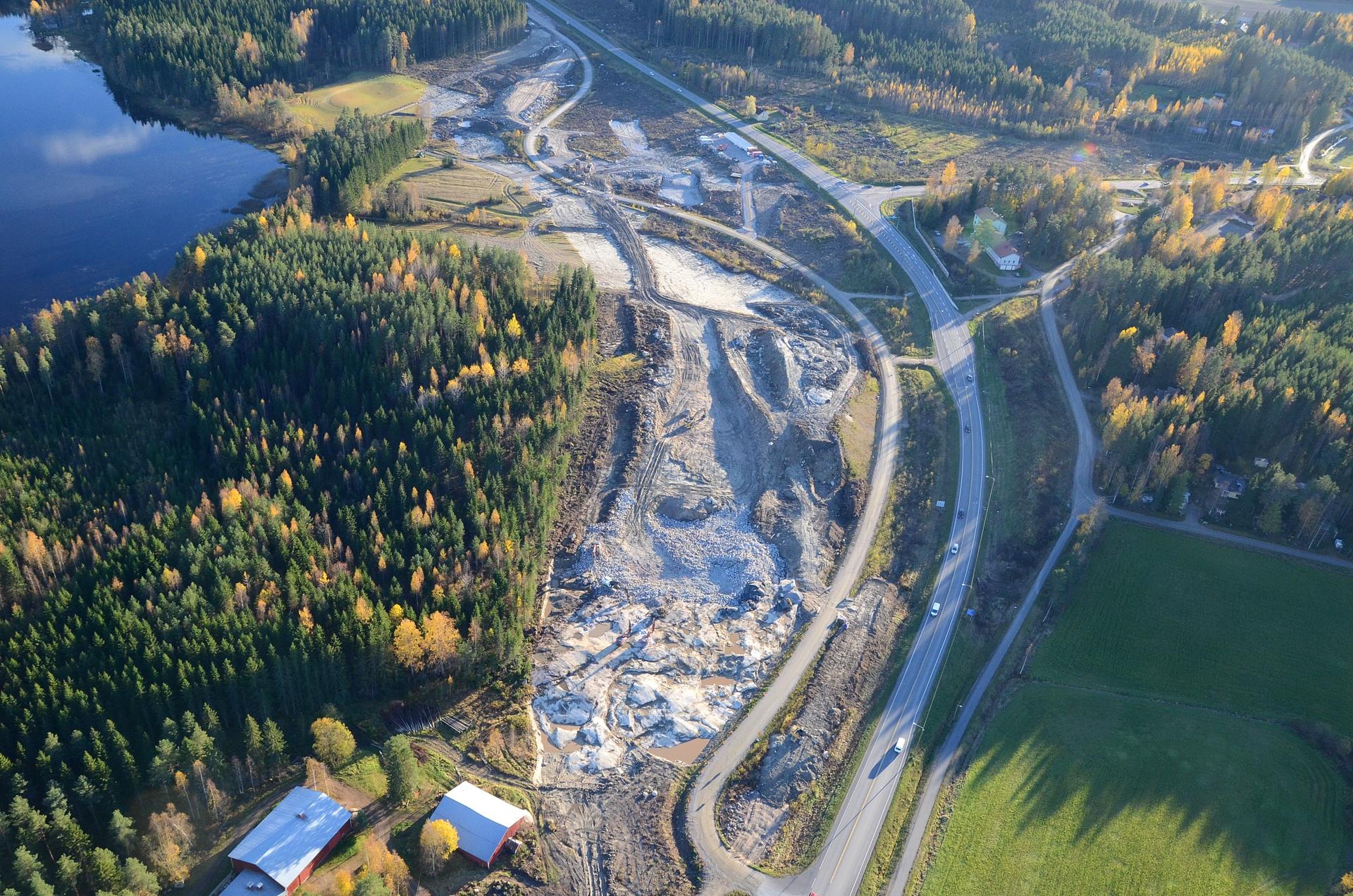 2016-10-02 Honkolan eritasoliittymän maansiirtotyöt aloitettu.