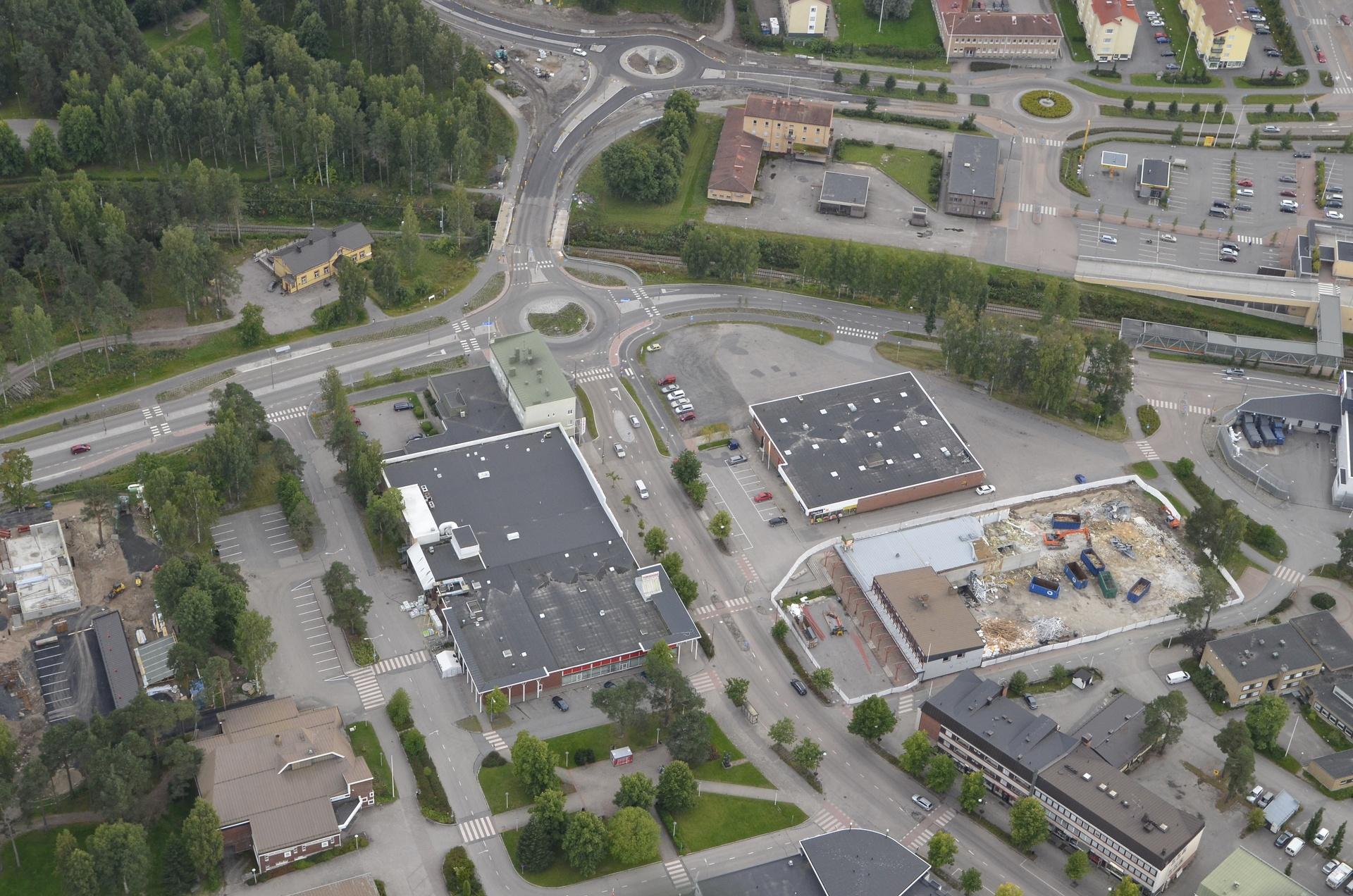 2017-09-02 Kylällä tapahtuu, Niskasen kiinteistöä puretaan.