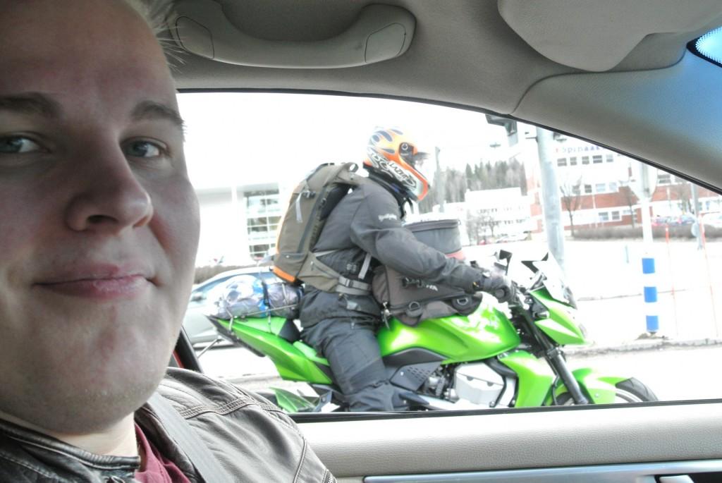 Jyväskylästä lähdössä Learning Bikersin ja Oskarin kanssa