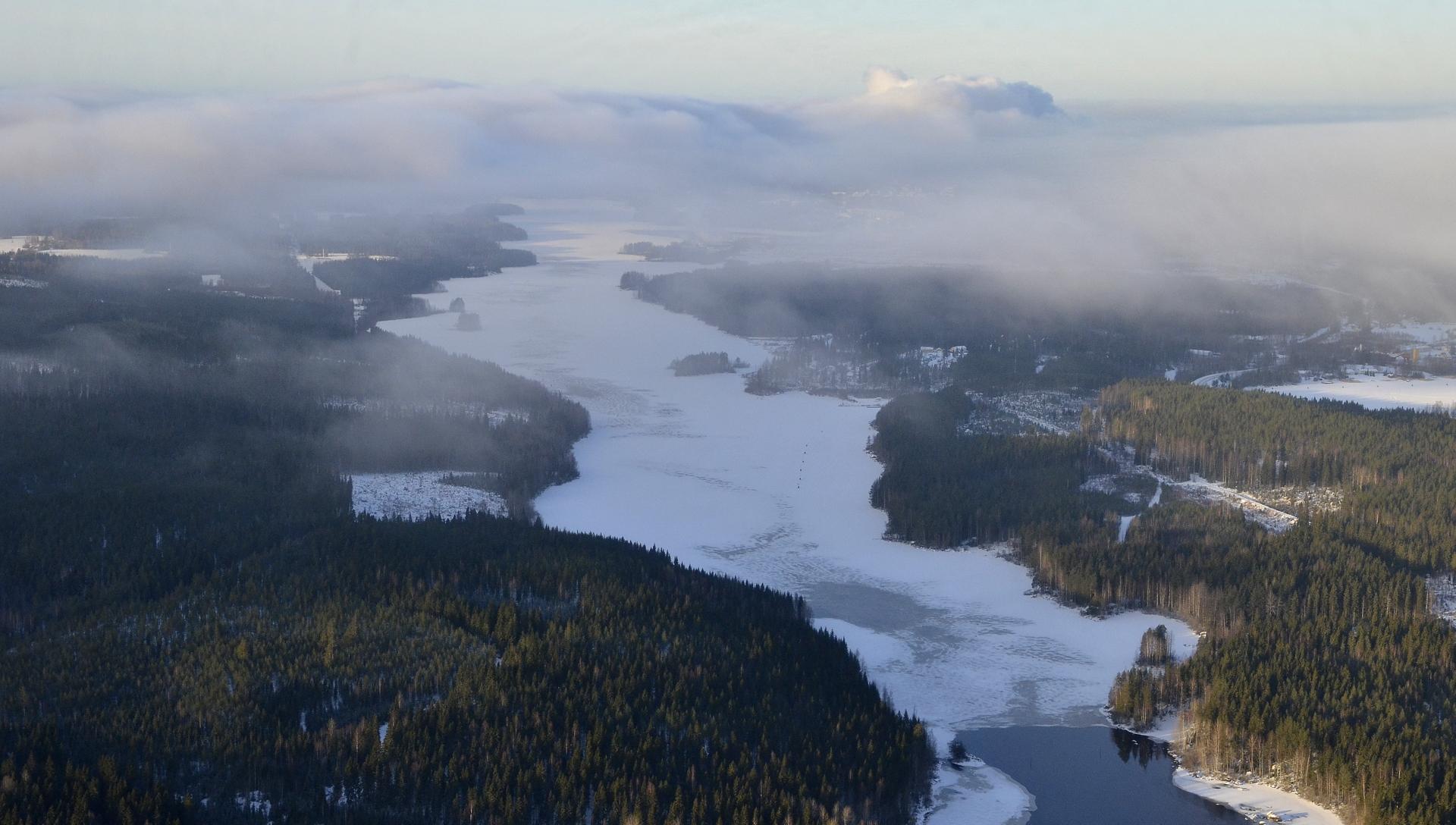 Suuri osa pilvistä oli Äänekosken tehtaiden höyryjen tuotosta, kun ylitin Kuhnamon.
