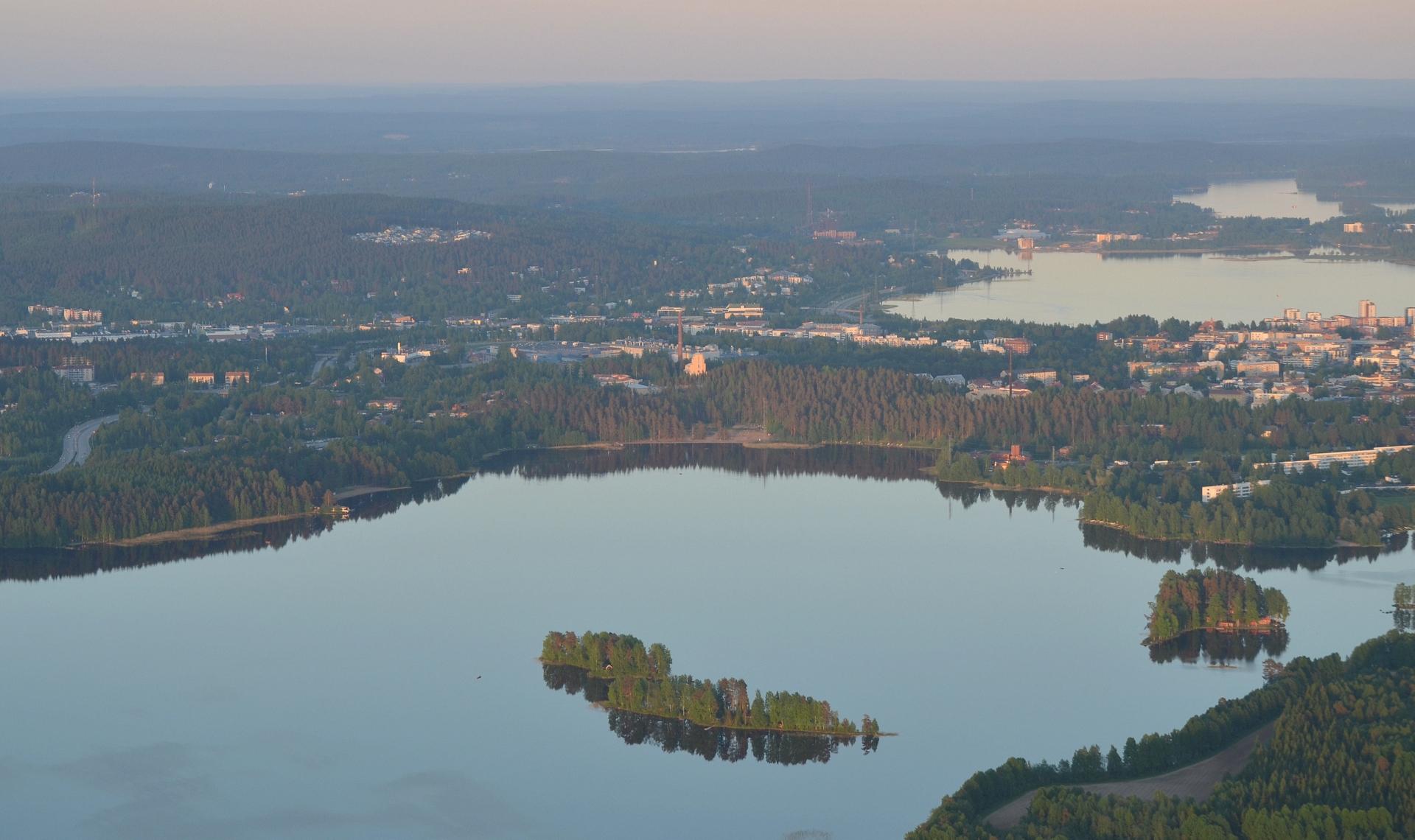 Tuomiojärvi ja Viitaniemi.