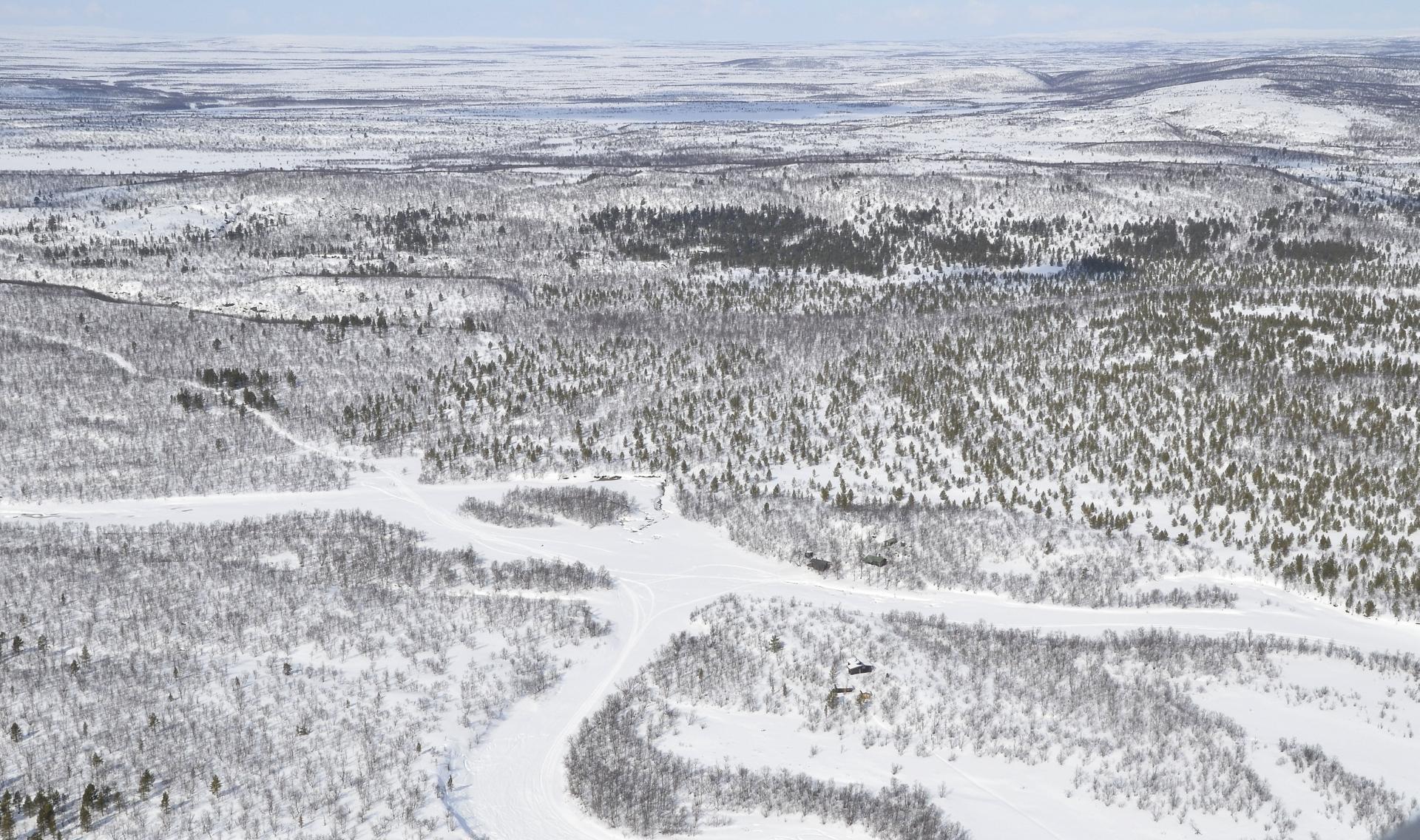 Opukasjärvi, tai paremminkin siihen laskevan Silisjokisuu.