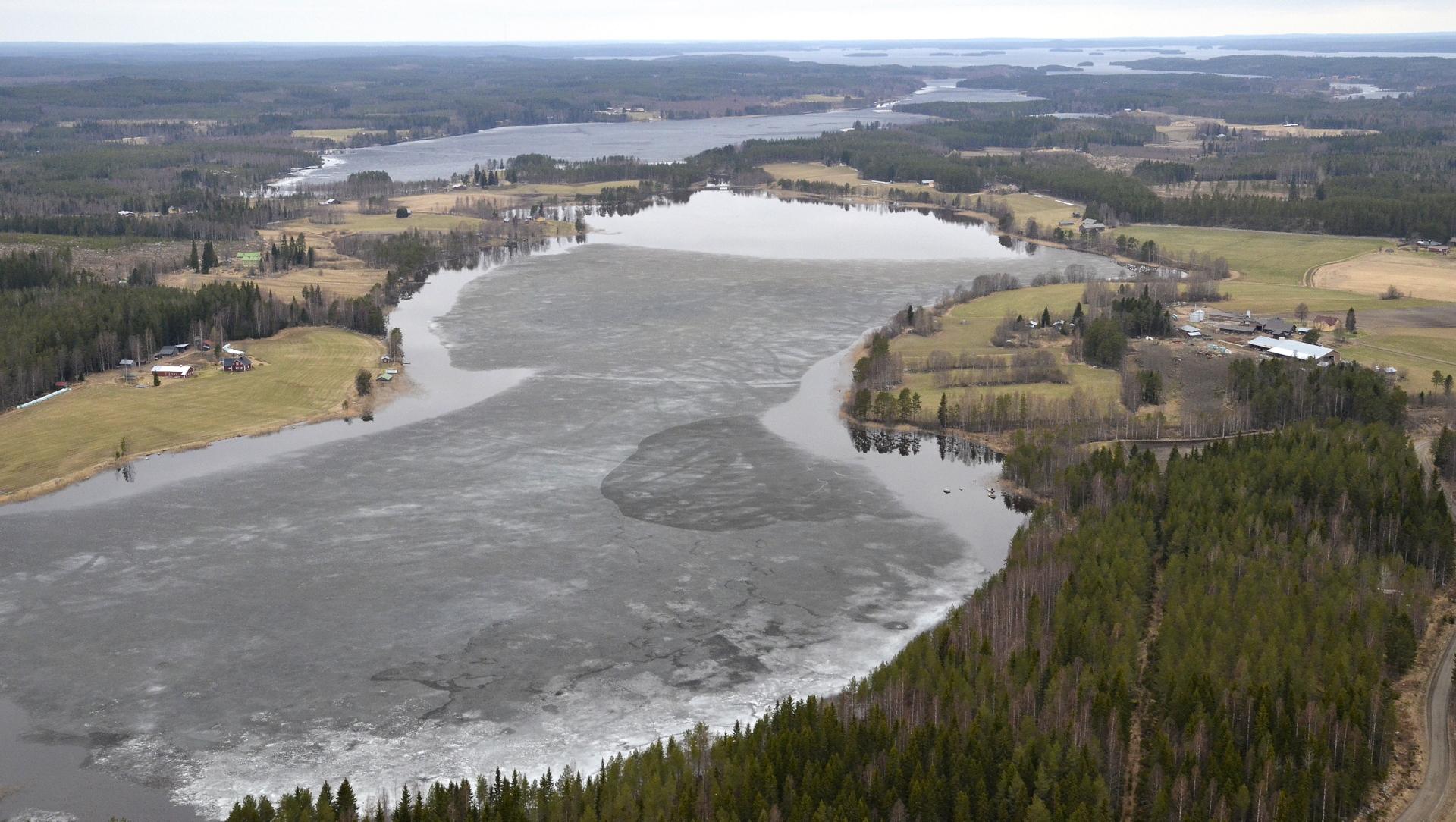 18.5 Pasalajärvi, taustalla Kolimaa.