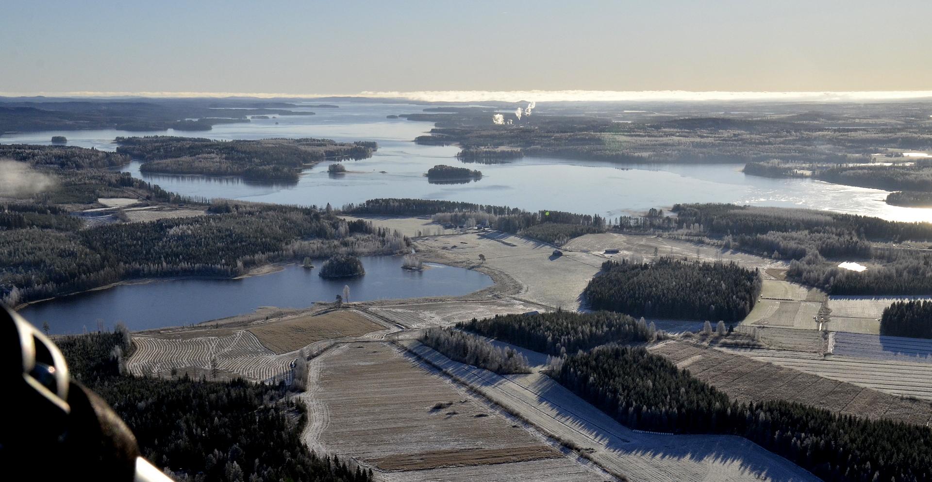 Piolampi ja Muikunlahden rannat jäässä 2.11.17.