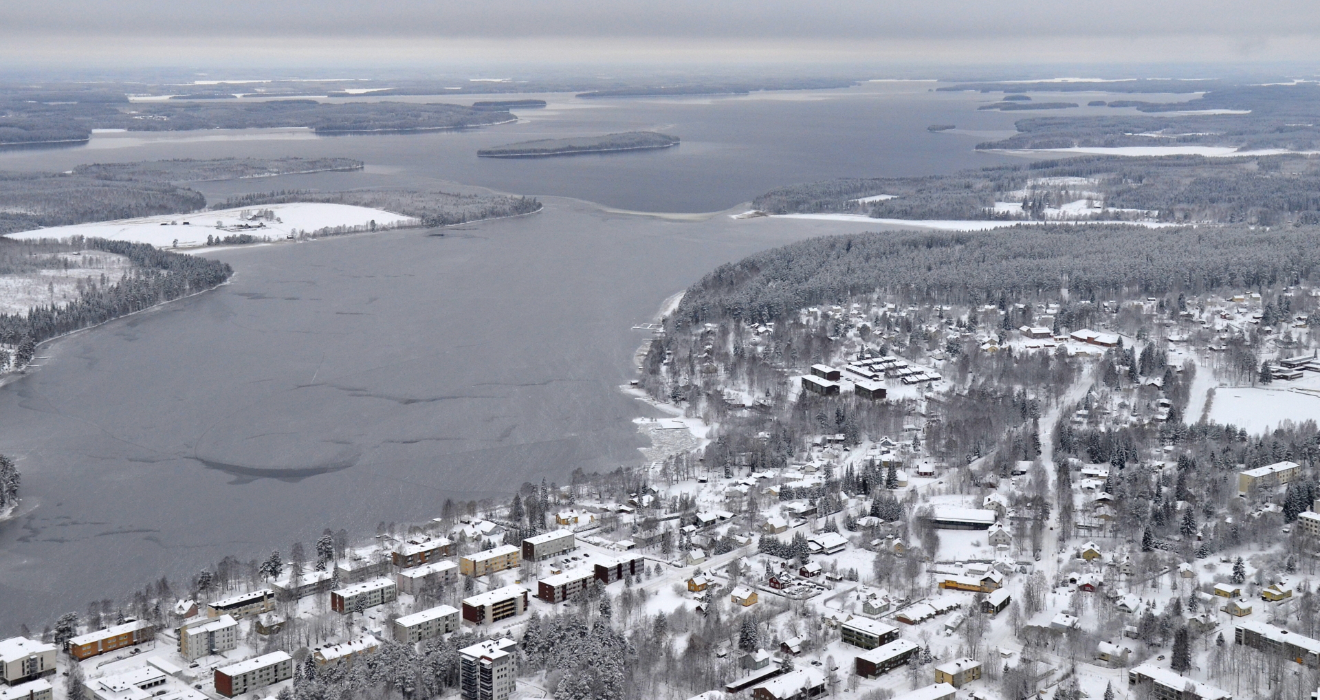 17.12.2017 Pihkurinselän jääraja on Salonpään tasalla.