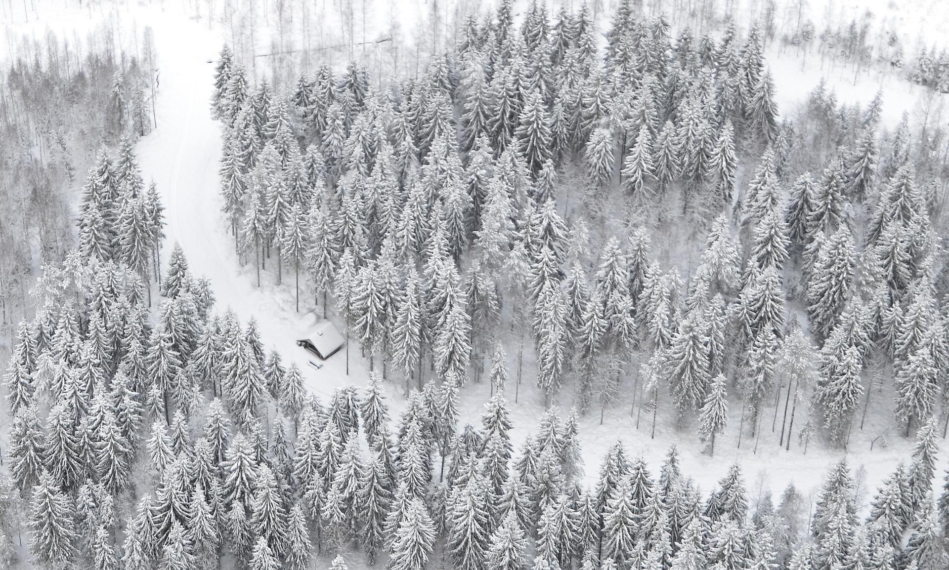 Koivistonkylällä Heikkilän laavu hienossa talvimaisemassa. 26.12-17