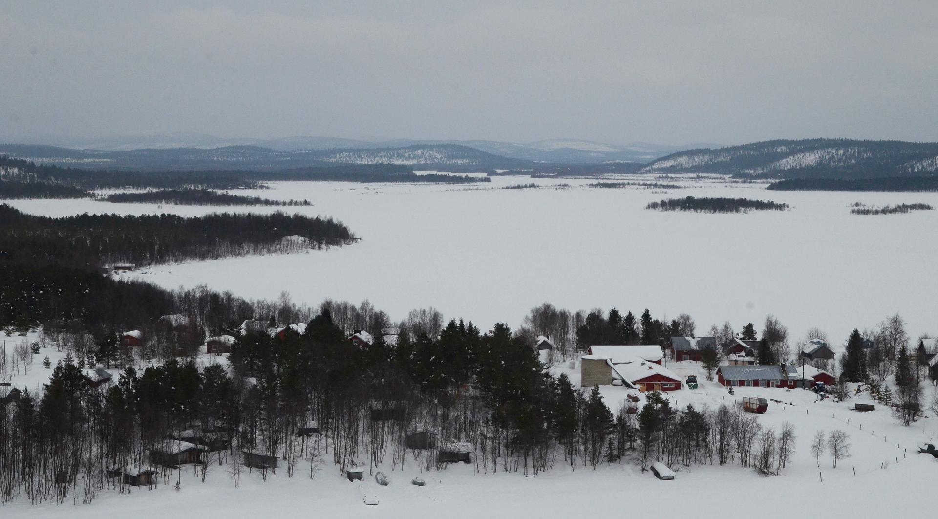 Näkymä Veskoniemestä Ivalon suuntaan