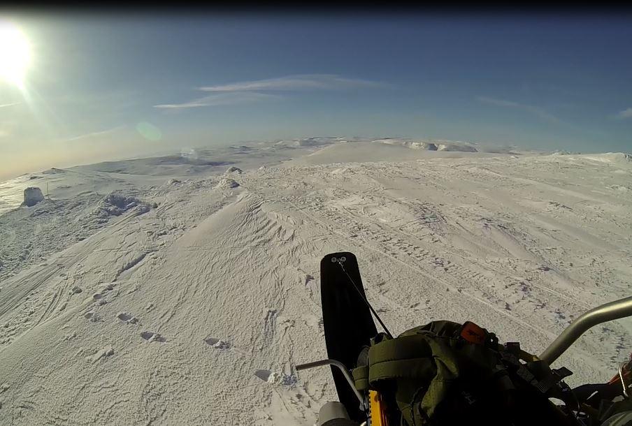 Tässä korkein kohta Suomen puolella.