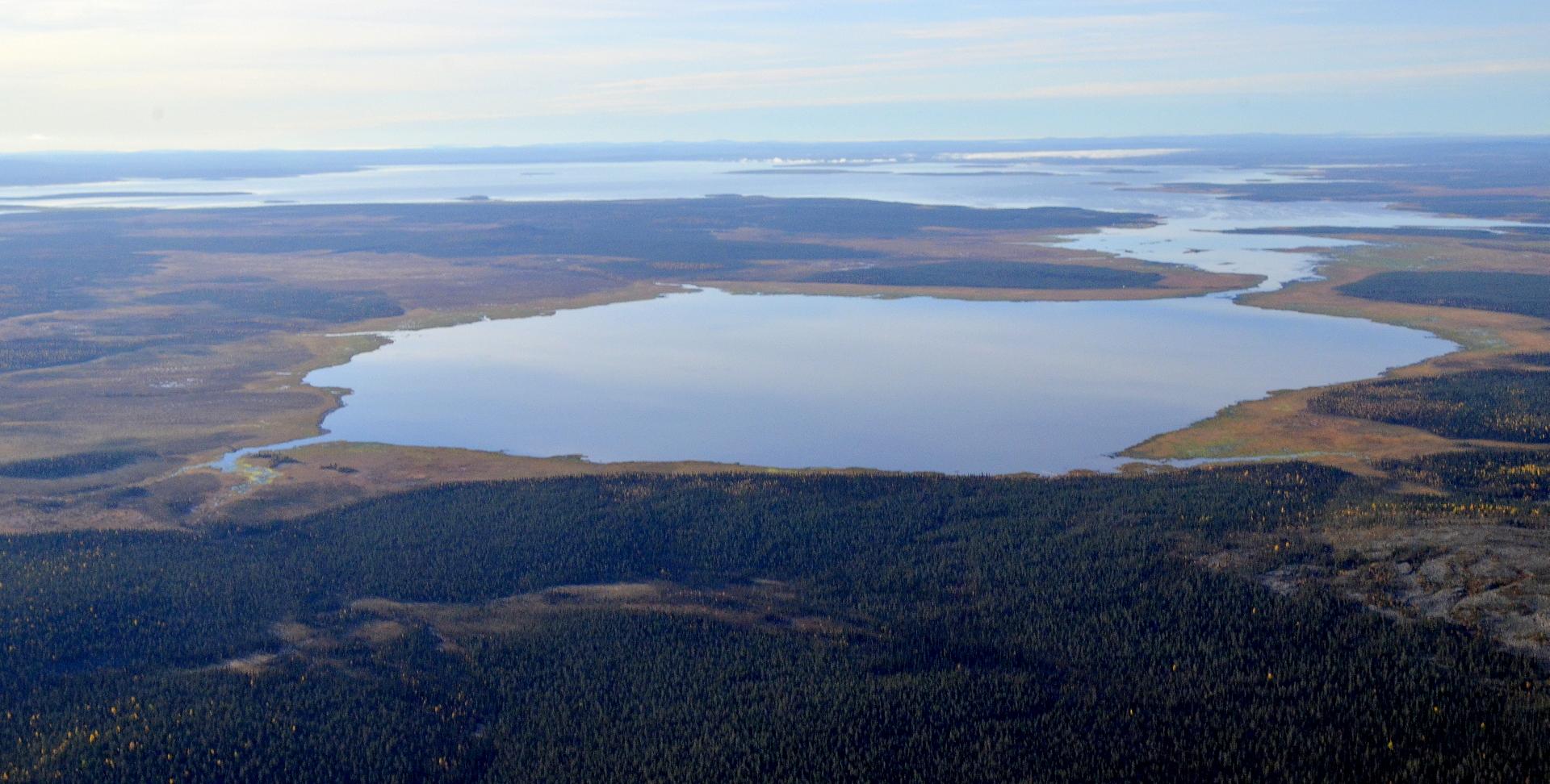 Näkymä Nattasten päältä Sompiolle ja Lokalle.