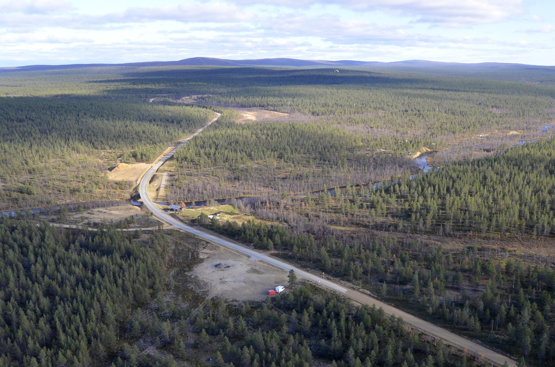 Tolosjoki, taustalla Kiilopää.