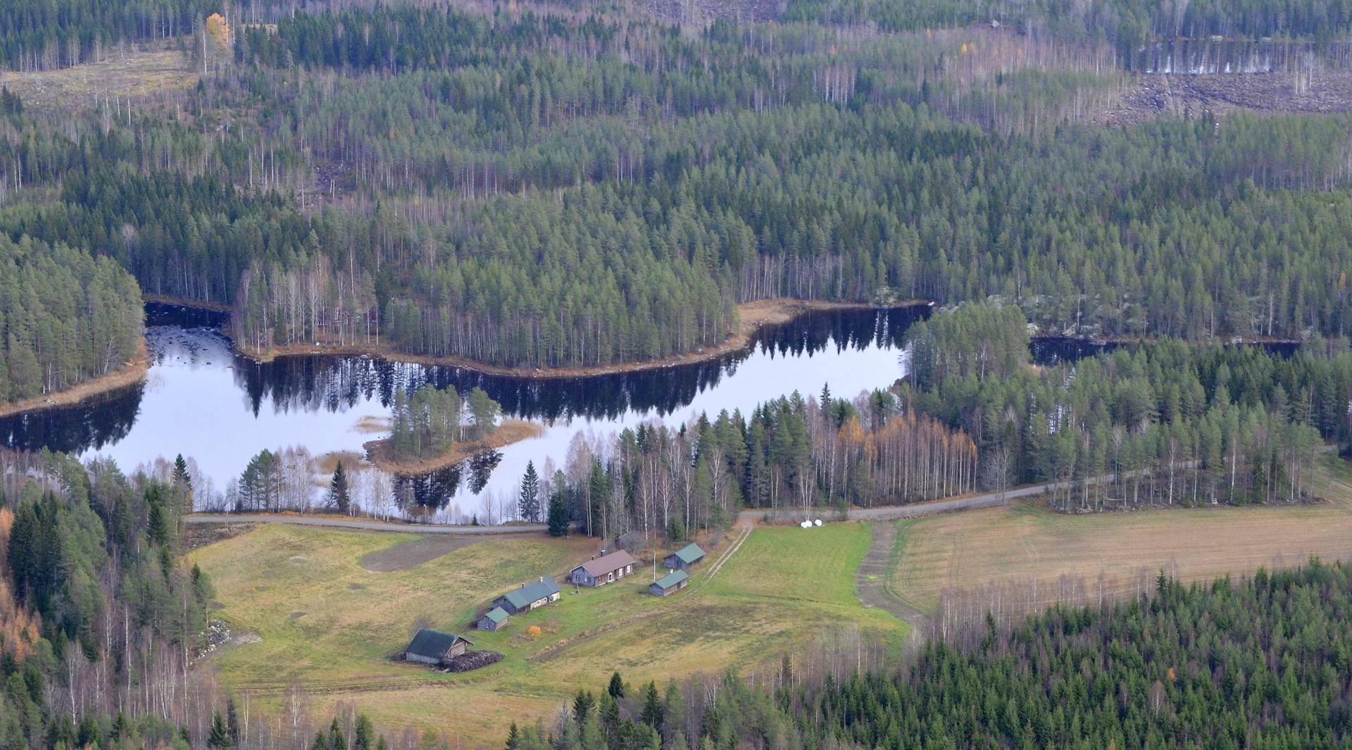 Tämä on lähes ohittamattoman hieno paikka Kärnä-Kymö koskireitin varrella, Kella.