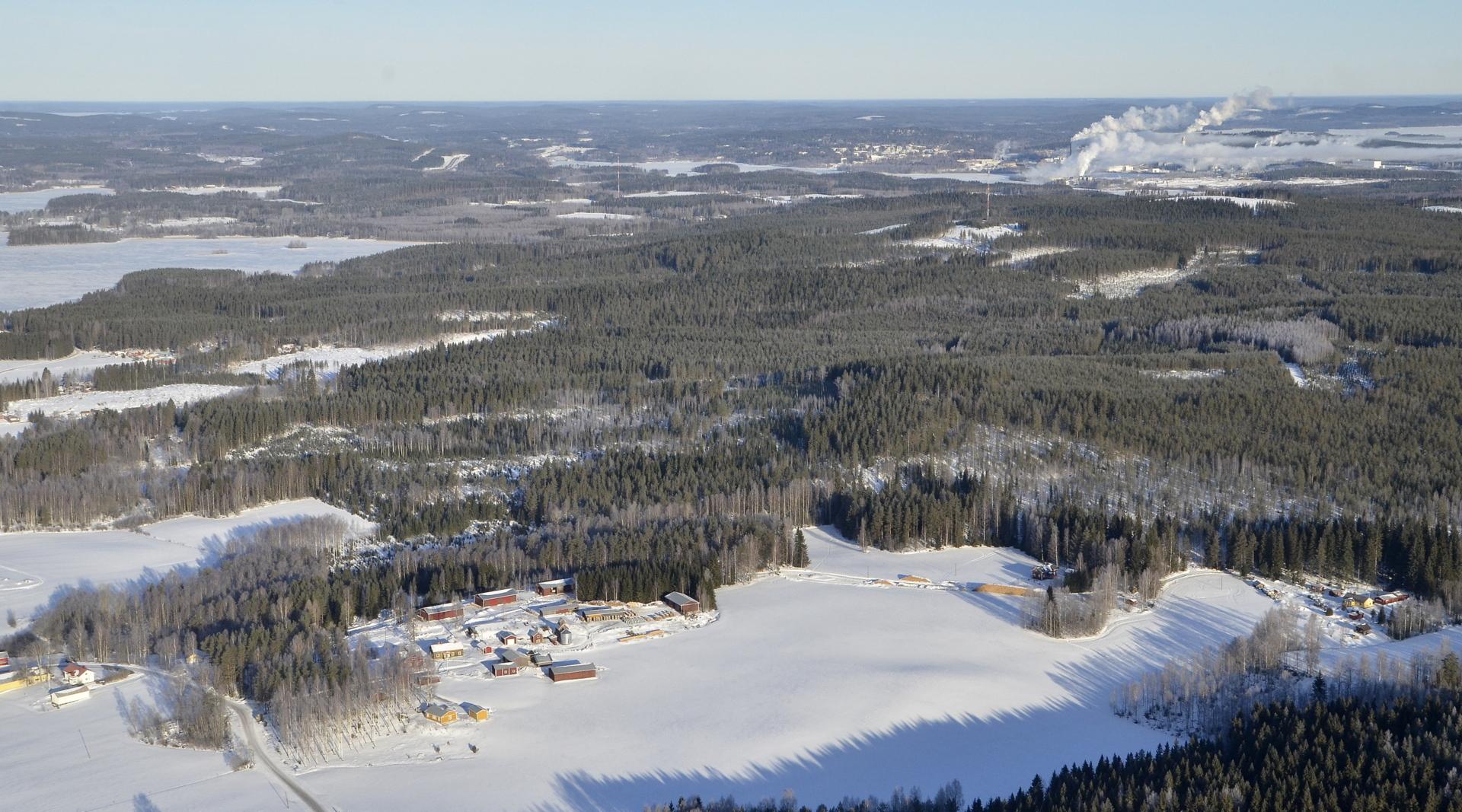 Kuvassa lähimpänä vasemmaita oikealle Uusitalo, Pölkki, Nätkilä ja oikealla Varjola.. Taustalla Äänekosken hussakat.