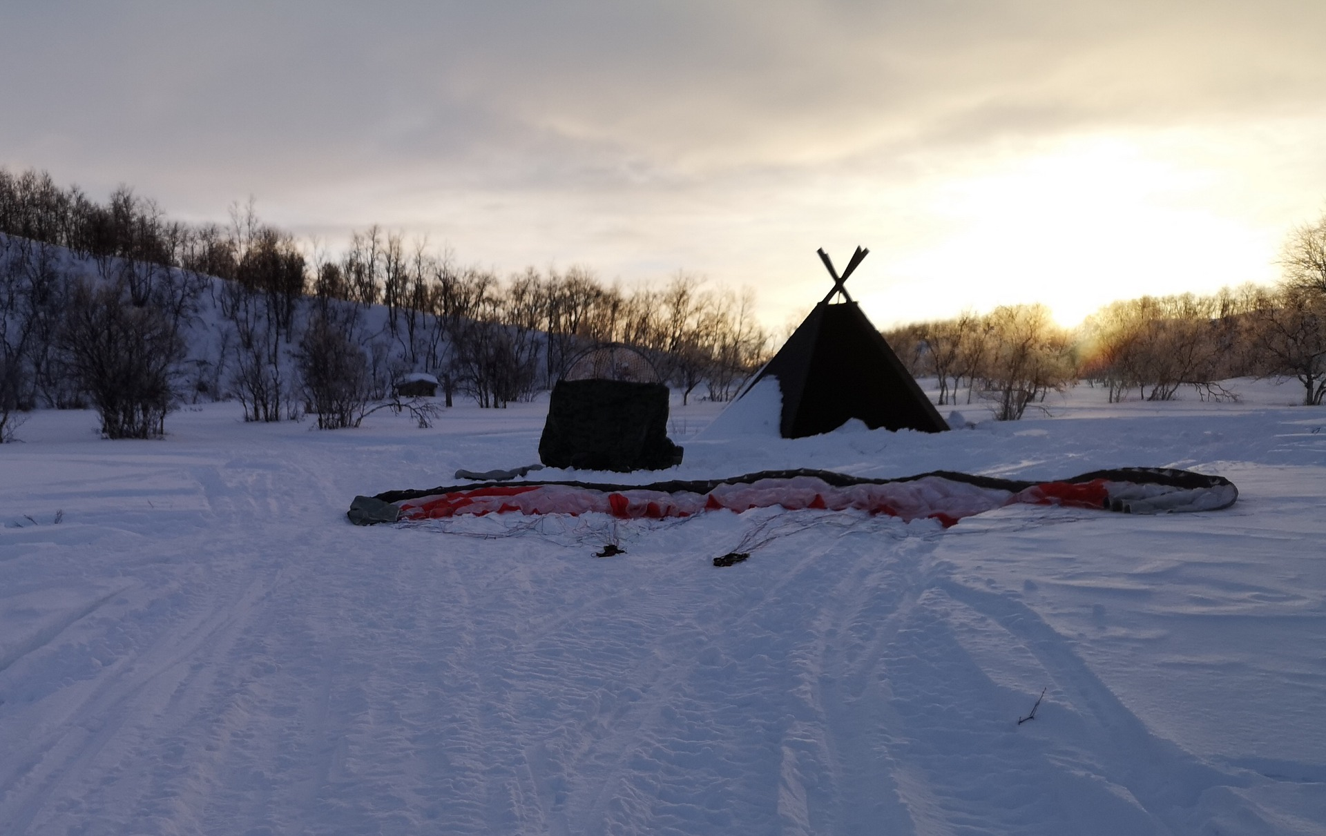 Aamulla nousin valmistelemaan lähtöä jo viiden jälkeen, kun tuuli oli voimistumassa aamun aikana.