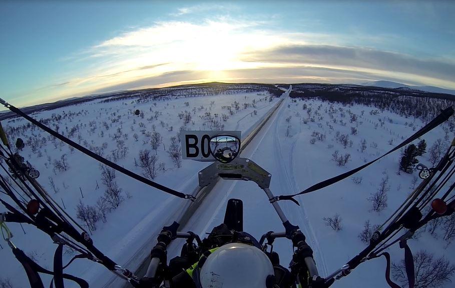 Ruktajärven retkelle starttasin 25.3 illansuussa Kaamanen-Karigasniemi tien varresta, läheltä Sulaojaa.