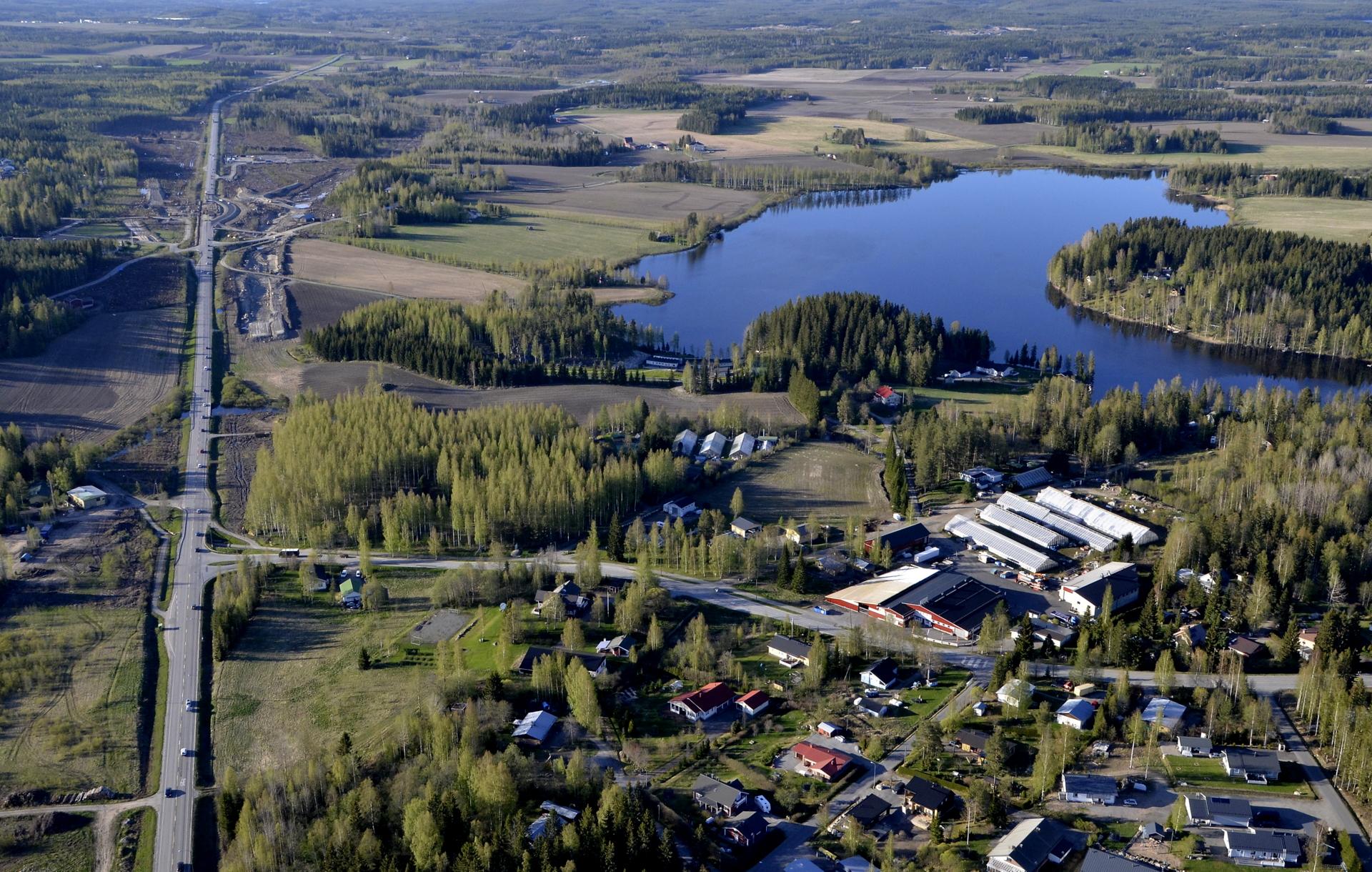 Taas vilkaisu tulosuuntaan. Oikealla Lehesjärvi.
