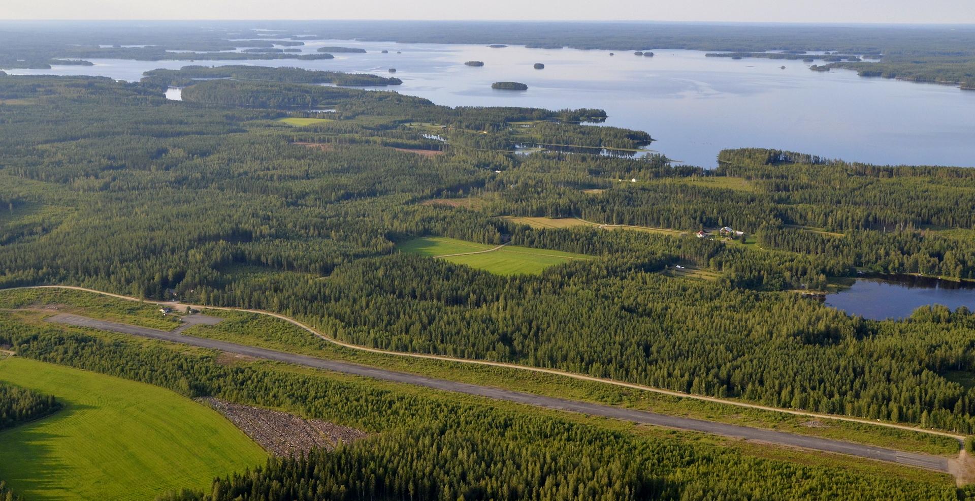 Kivijärven lentokenttä.