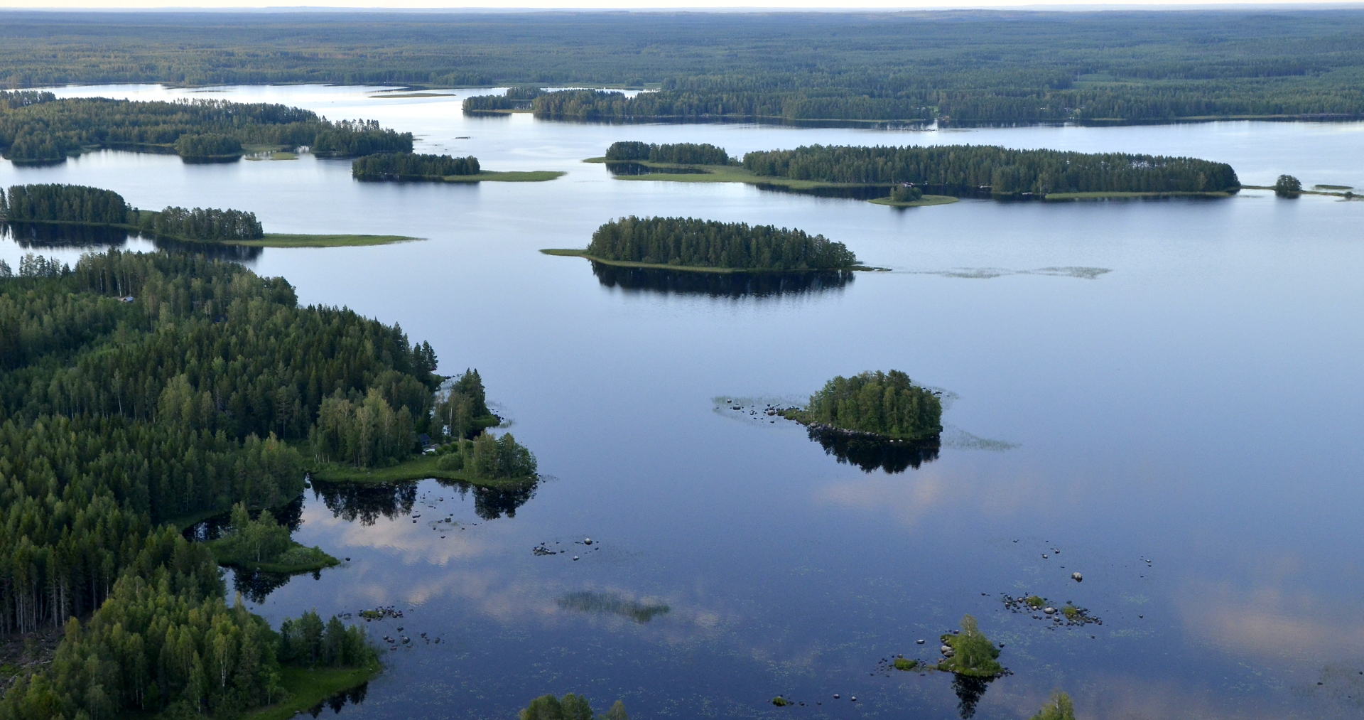 Kivijärven saaria.