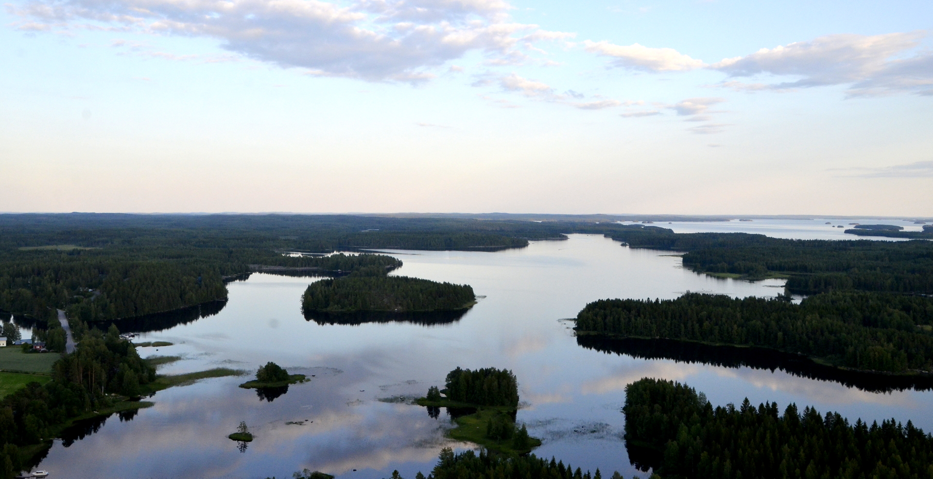 Kivijärvi Kivijärven taajaman suuntaan, mutta sinne matkaa n. 15 km.