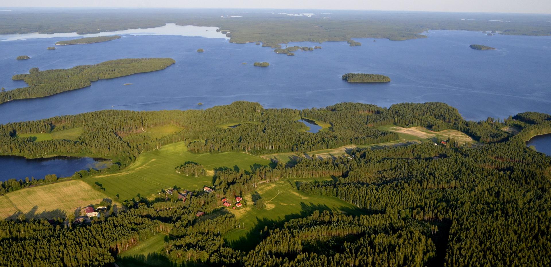 Penttilänkylä jää vasemmalle.