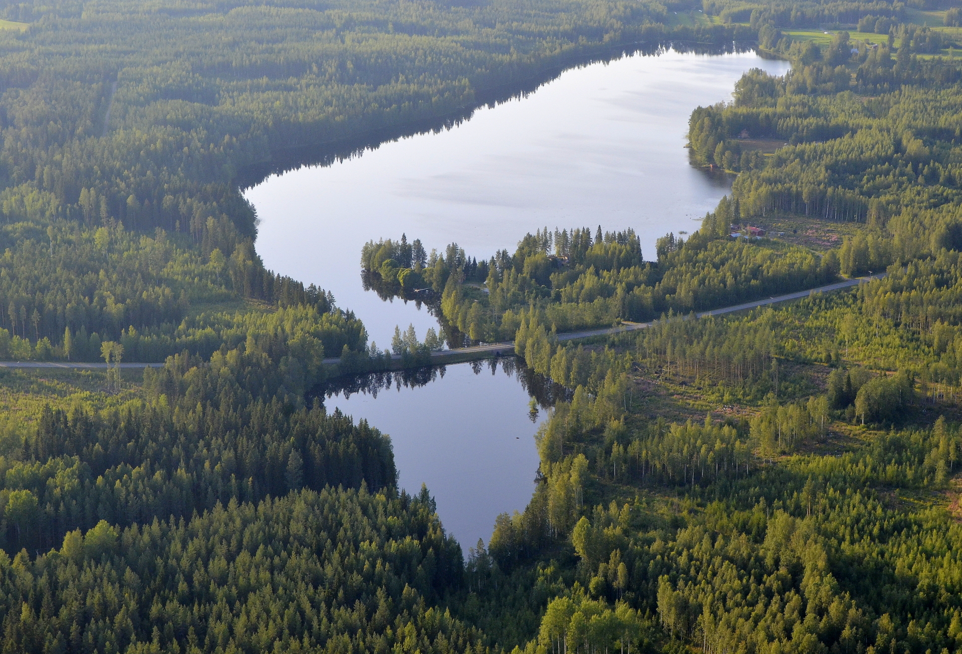 Luomajärvi jää menosuunnassa vasemmalle.