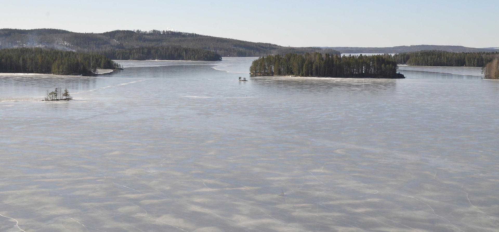Ukonsaari Ukonsalmessa Äänekoskea kohti mennessä.