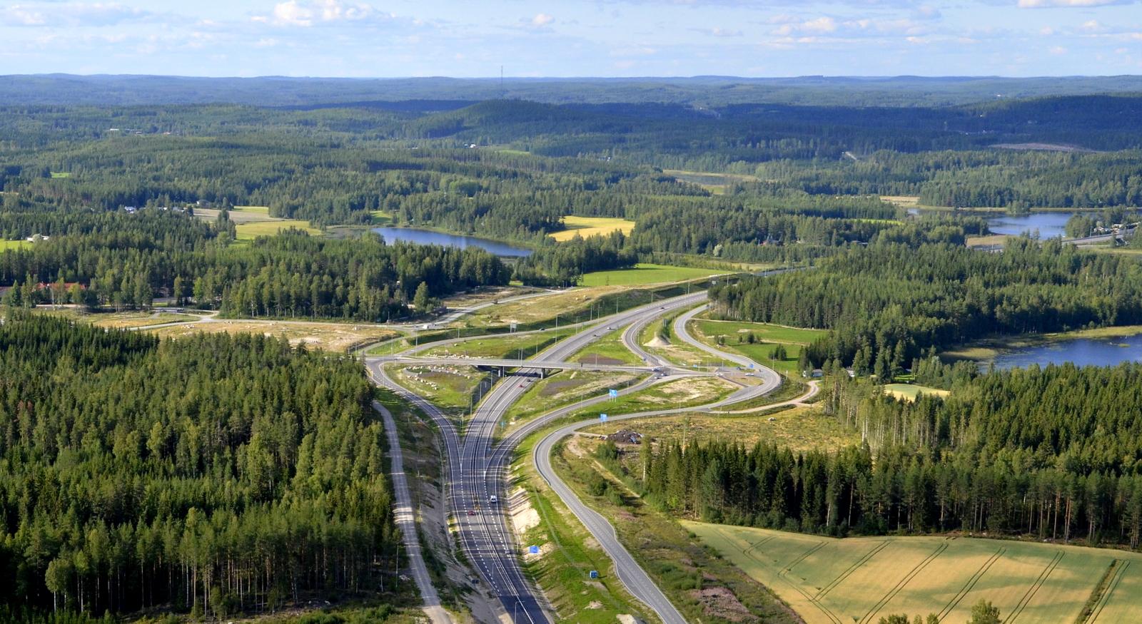 Nelostien ja Saarijärvi/Kokkola tien liittymä jo saanut viimeisen silauksen.