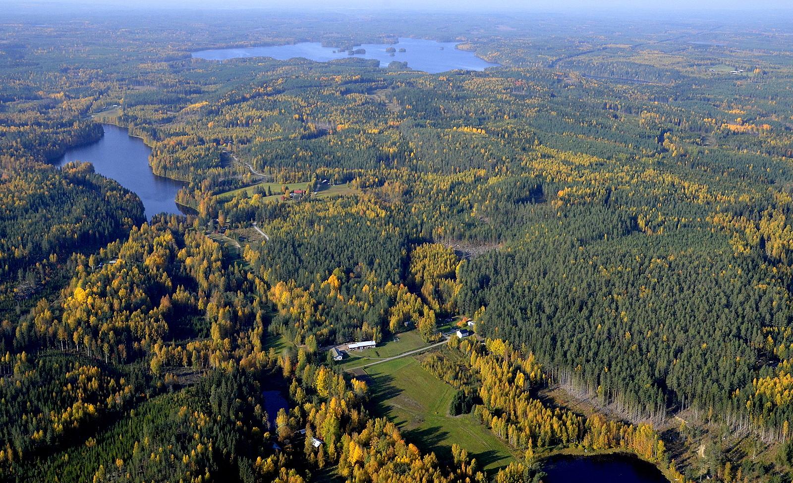 Vasemmalla Kaijajärvi.