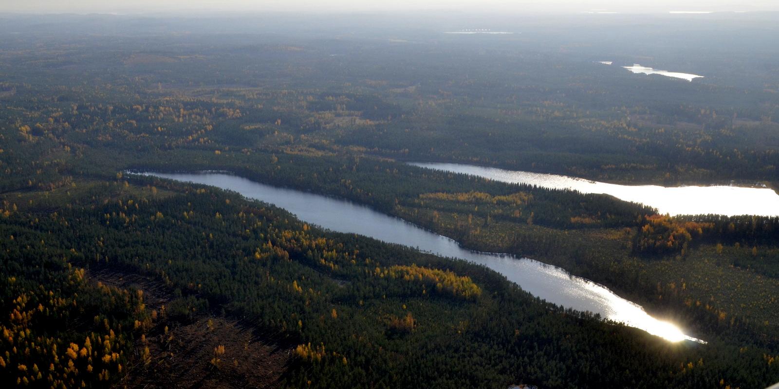 Suoli-Kumpunen ja Kumpunen, nuo lähimmät järvet.