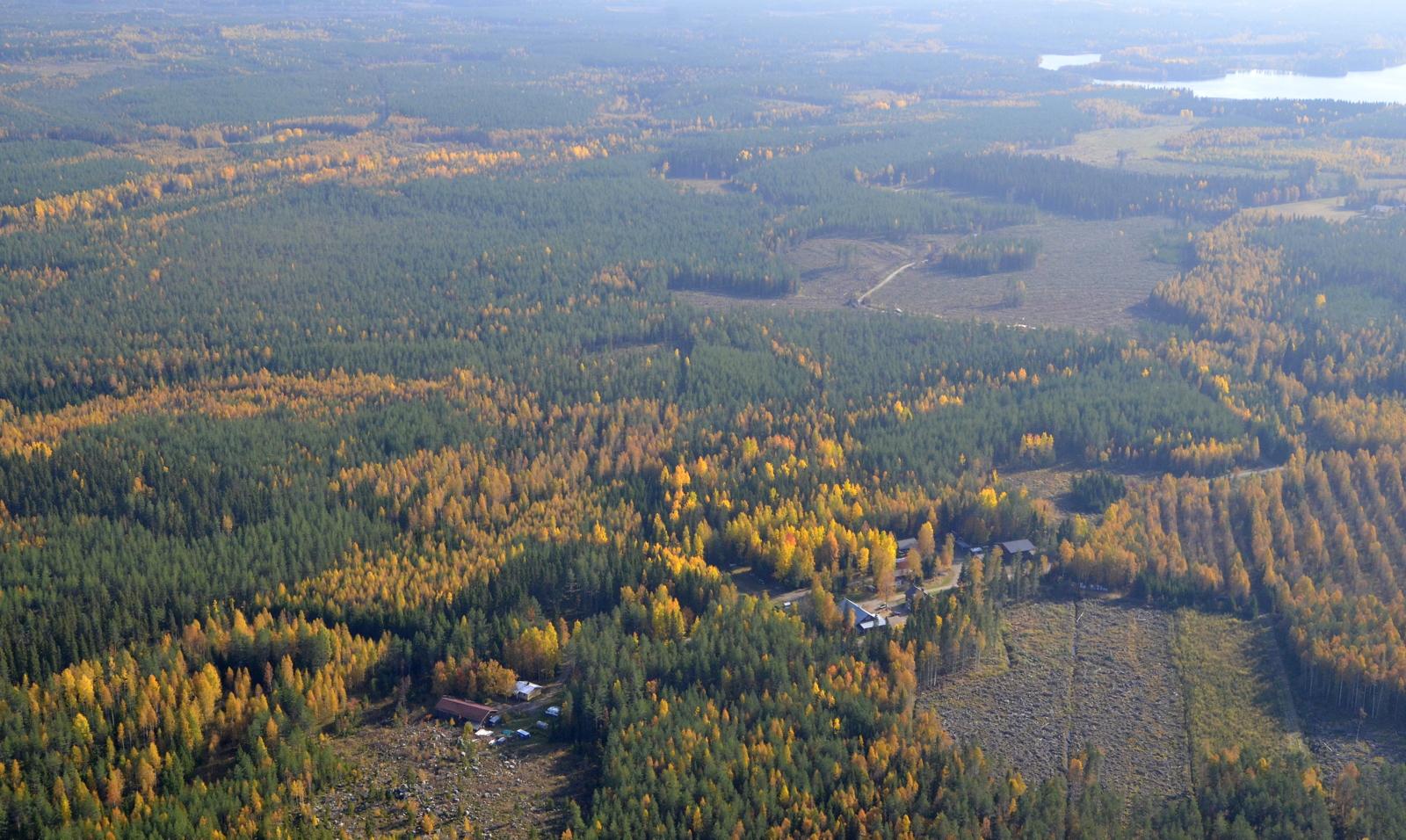 Oikealla näkyy Iso Suojärvi Peltokylän ja Häkkilänkylän vierellä.