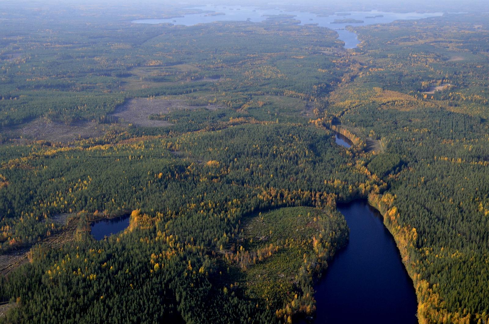 Alimmaisen Vuorijärven jälkeen kurussa on Kannonkosken (vasemmalla) ja Viitasaaren raja.