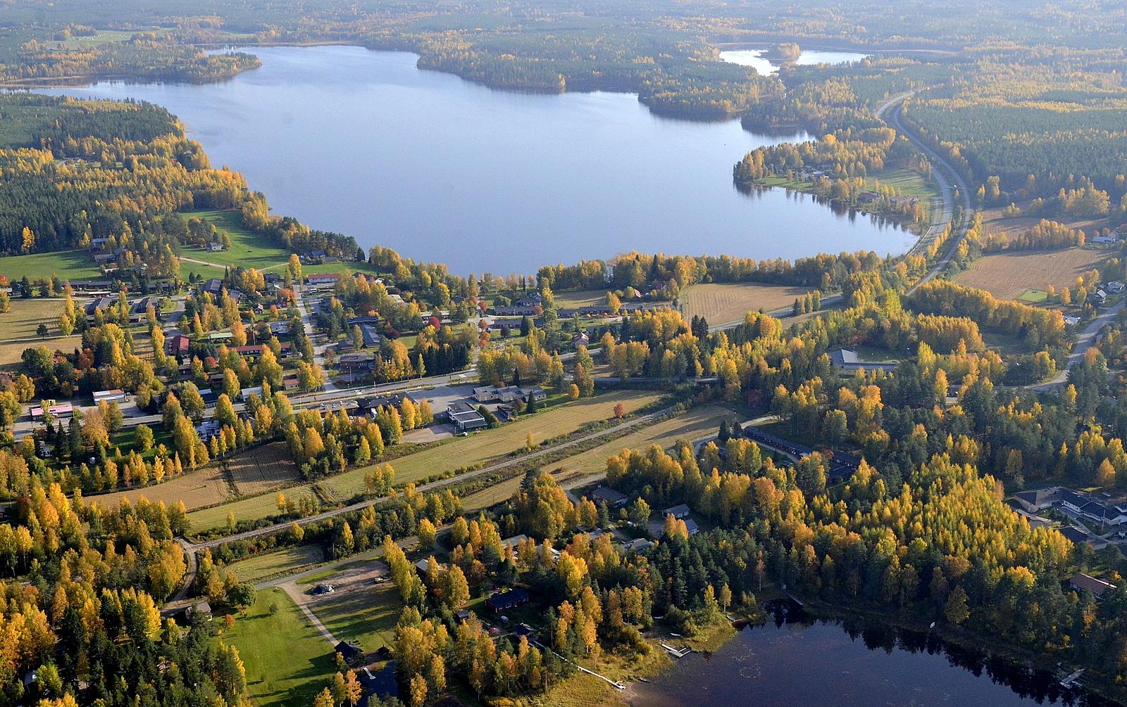 Kannonkoski Syväjärven suuntaan nähtynä.