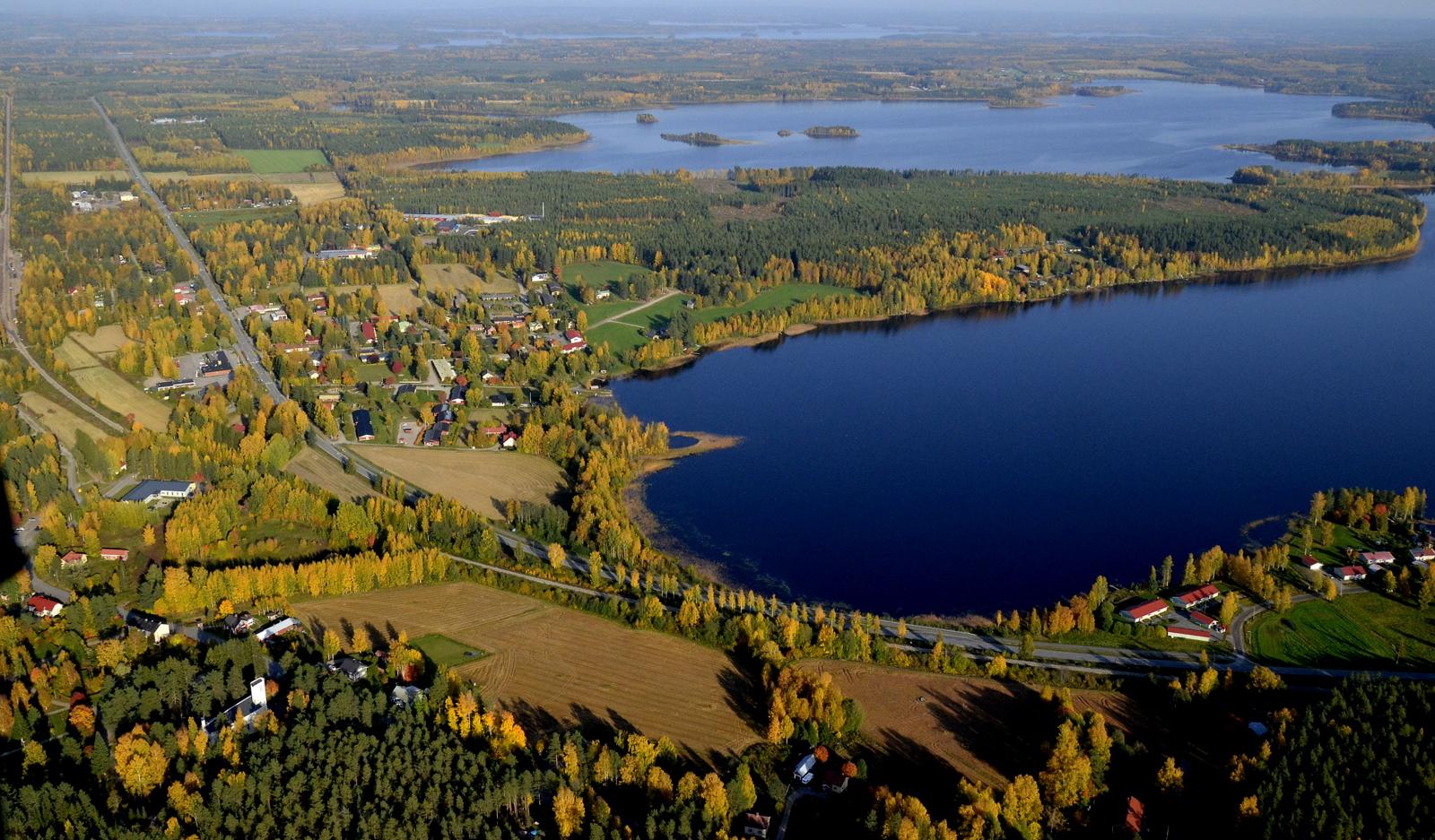 Kuvan ylälaidassa näkyy Vuosjärvi ja suunta josta tulin...ja minne menen.