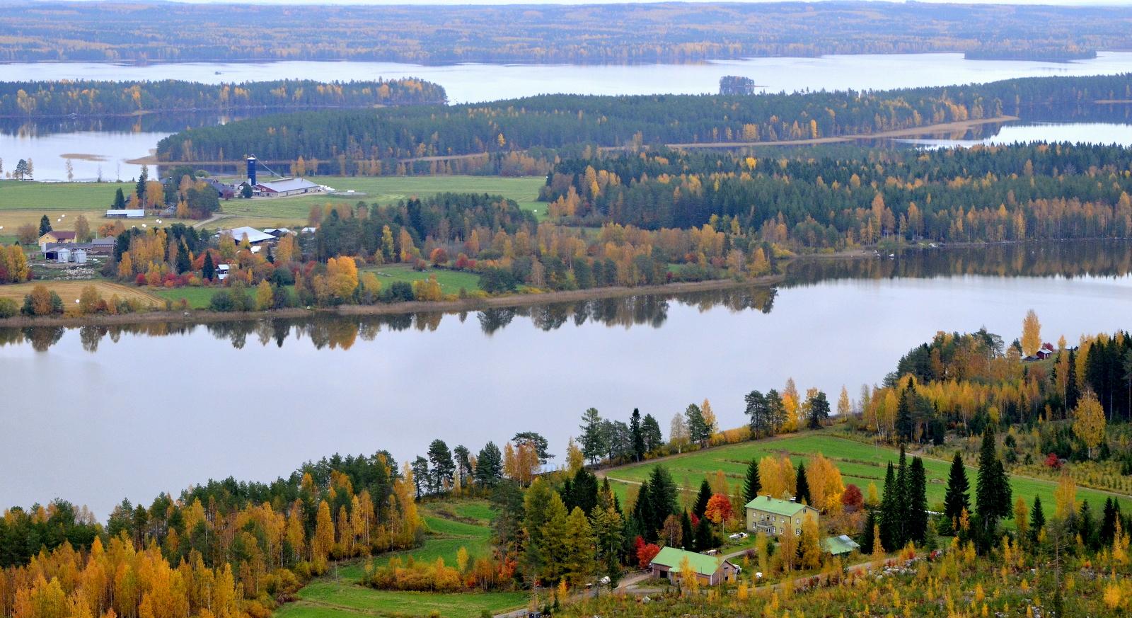 Kuvassa alhaalta ylös: Rintamaa, Pasalajärvi, Paanalan ja Valkaman tilat, ennen Koliman rantaa.