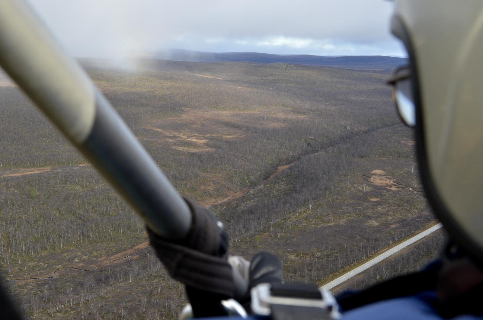 Leammasavzin kanjoni Kaamanen-Karigasniemi tien lähellä. Sadepilvet liikkeellä pohjoisesta kohti meitä.