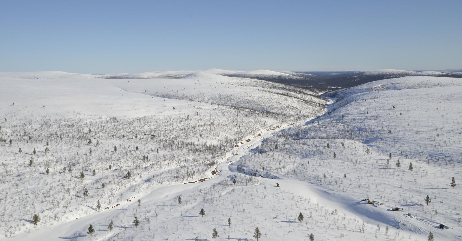 Nyt tulen Palmrootinojalle. Oikealla Gaskoaivi ja vasemmalla Jäkäläpään kuvetta.