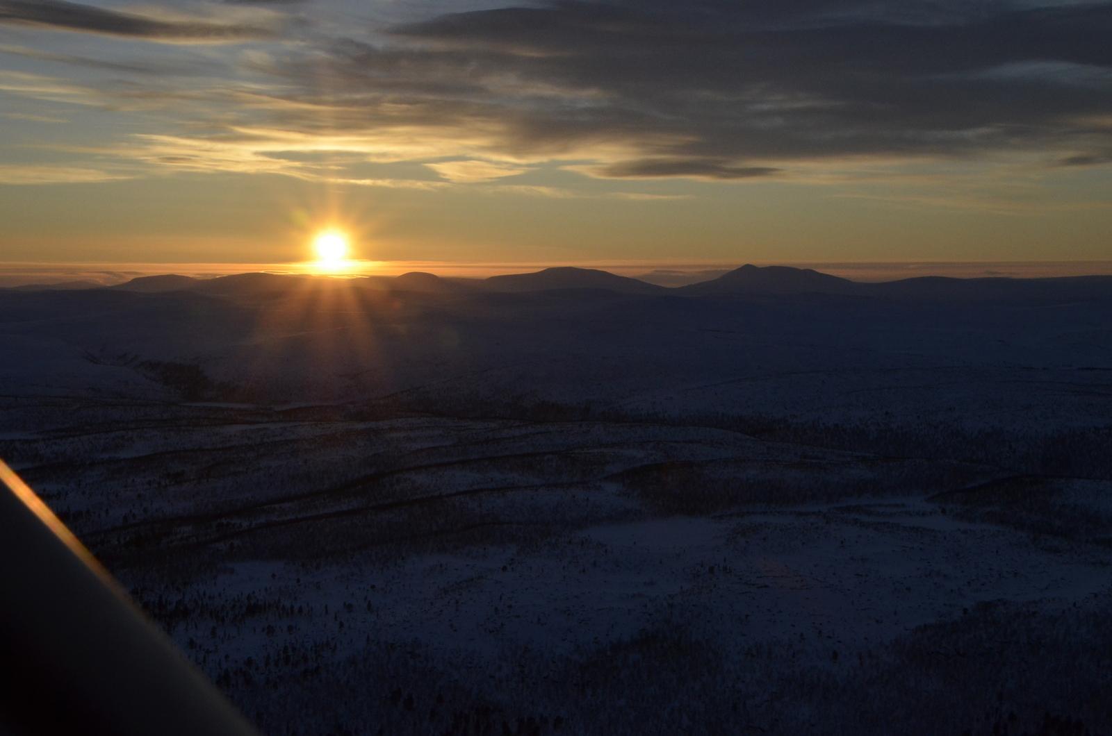 Norjan vuoristoa ja tuntureita, jotka teki ilman tosi turbulenttiseksi? koska tuuli tuolta suunnalta.