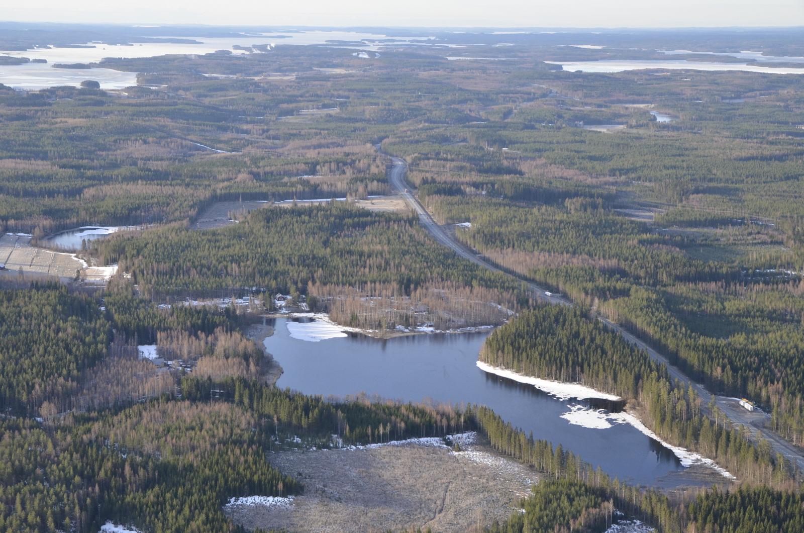 Lähimpänä Viitajärvi, oikealla Pihkurinselkä.
